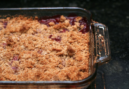 completed peach and blackberry crisp