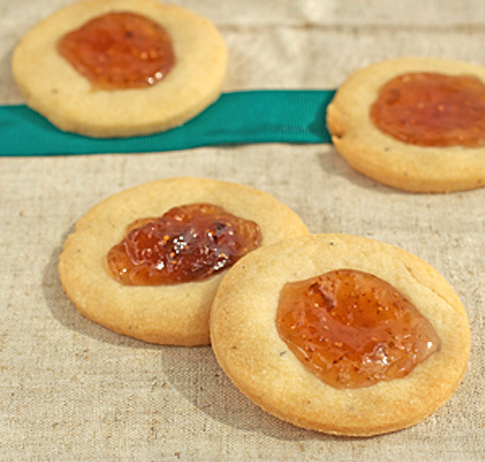 Fig and Blue Cheese Savory Crackers   Plum Pie