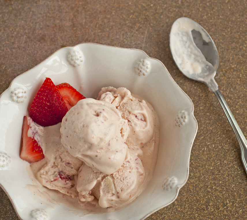 Strawberry Mascarpone Ice Cream | Plum Pie