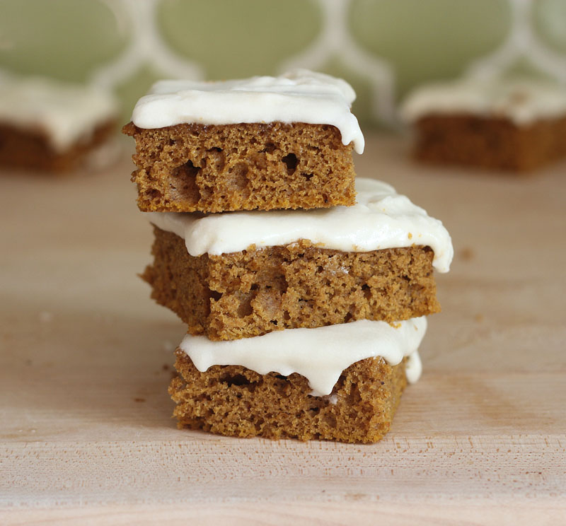 Spiced Pumpkin Bars with Cream Cheese Icing | Plum Pie